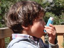 Contrôlez-vous l'utilisation des inhalateurs de vos enfants asthmatiques ?